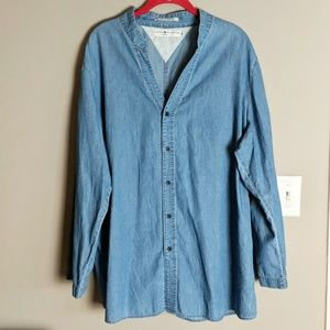 Tommy Hilfiger Tops - Tommy Hilfiger Denim Chambray Button Down sz 20